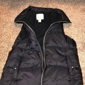 Like new old navy vest down puffer black
